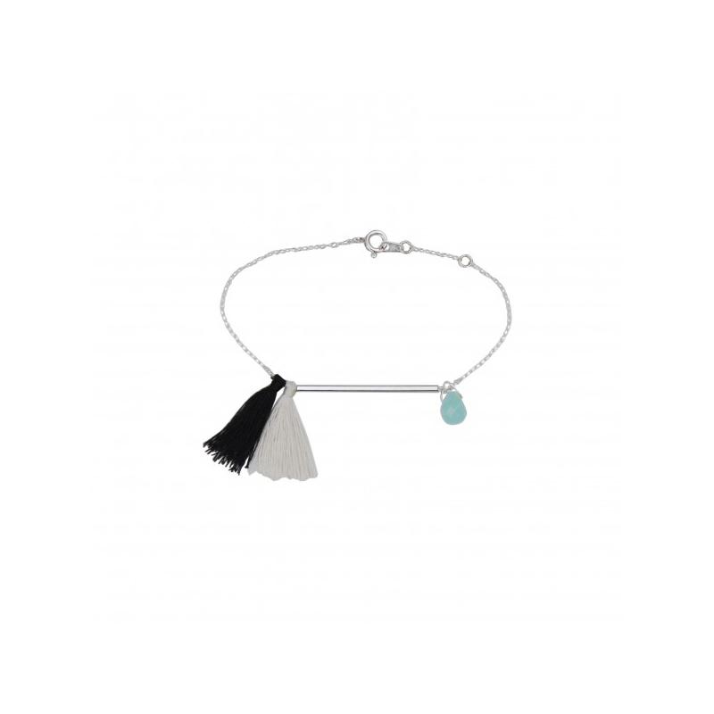 Idée cadeau pour femme : un bracelet fin avec pompon façonné à la main en France