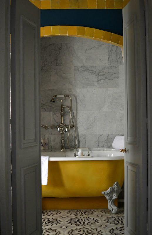 inspiration d co salle de bain la baignoire sabot. Black Bedroom Furniture Sets. Home Design Ideas