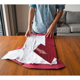 Plieur de linge en carton : le T-Shirt Folder by Suck UK en vente chez @bonjourbibiche