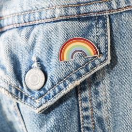 Pin's LGBT @bonjourbibiche