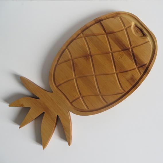 """Planche à découper design """"Ananas"""" by Overion, copyright @bonjourbibiche"""