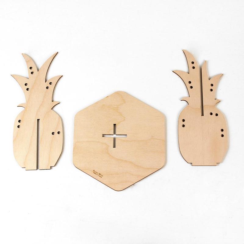 support boucles d 39 oreilles reine m re design. Black Bedroom Furniture Sets. Home Design Ideas