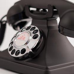 téléphone vintage à cadran rotatif
