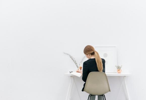 10 conseils déco pour aménager un coin bureau dans le salon